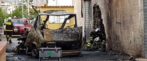 Bombola esplode dentro un camper Feriti quattro vigili del fuoco a Palermo