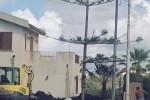 Incendio nella notte: il rogo distrugge un capannone a Marsala