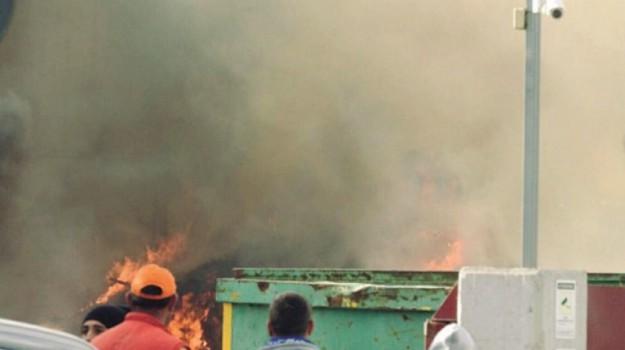 incendio deposito seap, Agrigento, Cronaca