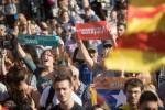 Il Parlamento della Catalogna vota sì all'indipendenza
