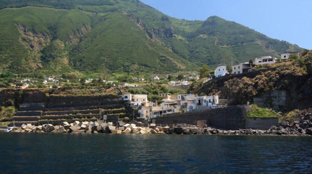 Salina plastica Malfa, Messina, Politica