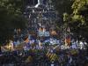 """Catalogna commissariata da Rajoy, il partito di Puigdemont: """"Un golpe"""" In 450 mila in piazza a Barcellona"""