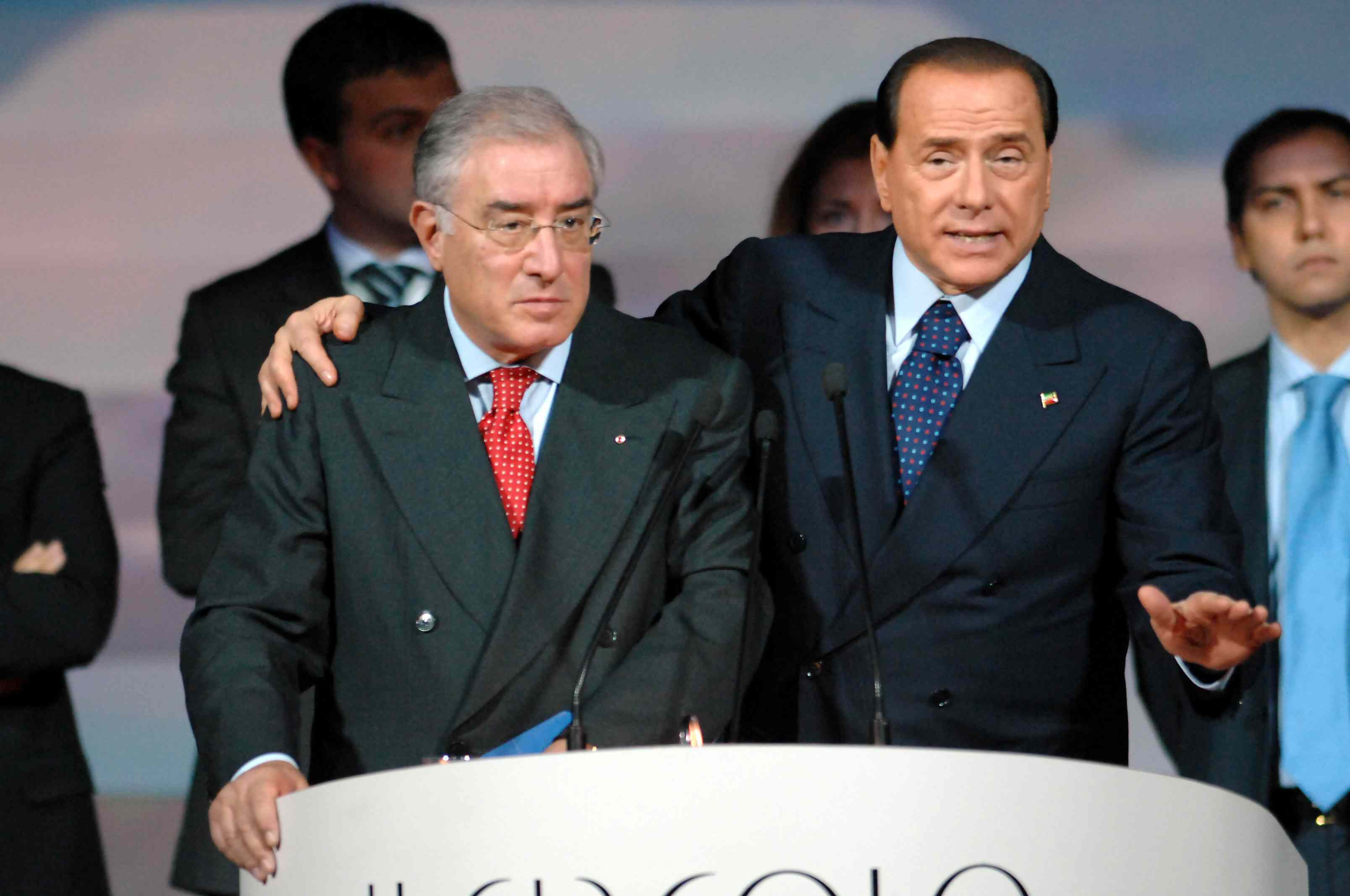 Mafia, Berlusconi e Dell'Utri nuovamente indagati per le stragi del '93