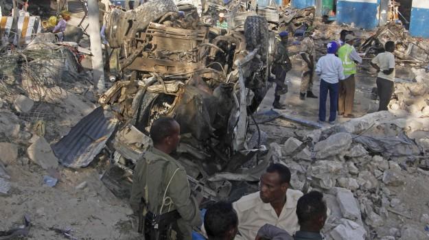 strage mogadiscio somalia, terrorismo islamico, Sicilia, Mondo
