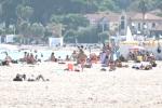 Ottobre estivo, la spiaggia di Mondello fa ancora il pieno di bagnanti - Video