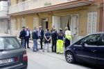 Uccide l'anziana madre a Gela: strangolata nella stanza da letto - il video