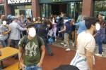 Momenti di tensione tra studenti e polizia di fronte ad un McDonald's a Palermo - Foto