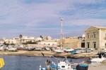 """""""Porticciolo di Donnalucata insabbiato e inagibile"""", la protesta dei pescatori"""