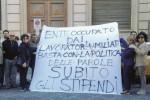 Stipendi arretrati, dipendenti occupano l'ex Provincia di Siracusa