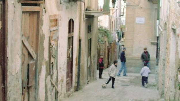 alloggi sociali caltanissetta, Caltanissetta, Economia