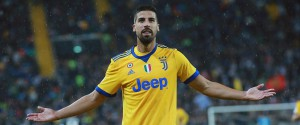 Super Juve in 10, bene la Lazio. Per il Milan pari e fischi