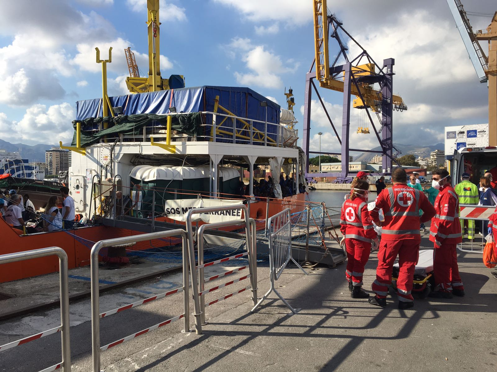 Migranti: 606 su nave Aquarius a Palermo, record di bambini