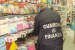 Maschere e accessori di Halloween illegali, 100 mila pezzi sequestrati a Ragusa