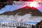 Gravi insulti dei tifosi della Reggina contro il Catania, indagini su uno striscione