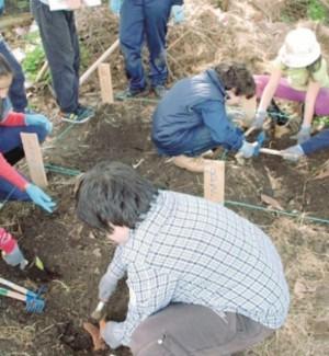 """Studenti nella Valle dei templi """"a scuola"""" di archeologia"""