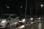 Palermo, notte di lunghe code in via Crispi per gli imbarchi al porto - Video