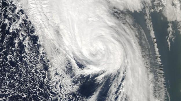 uragano ophelia irlanda, Sicilia, Mondo