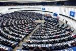 Europarlamento, adozione frenata automatica pure su auto