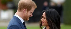 Torta nuziale al limone e fiori veri per Harry e Meghan