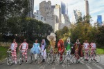 Alice e il Cappellaio Matto in bici a New York con Pirelli
