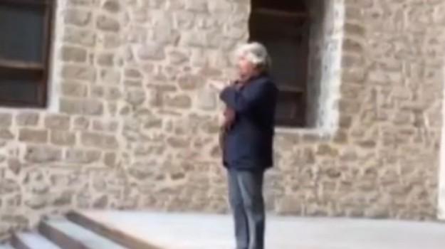 Campagna elettorale, a Palermo l'ultimo comizio di Beppe Grillo prima della chiusura