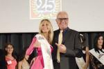 """La 50enne Cristina Pagani eletta Miss Over: sogna di fare """"l'ombrellina"""""""
