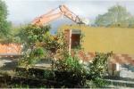 Abusivismo a Biancavilla, al via demolizione di un fabbricato nel Parco dell'Etna