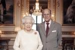 Elisabetta e Filippo, cena intima e nuove foto ufficiali per i 70 anni di matrimonio