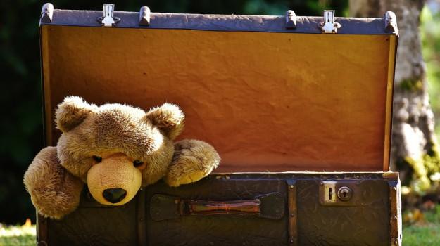 festa dei morti, regali bambini giocattoli, Sicilia, Società