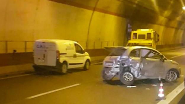 autostrada catania-siracusa, incidente mortale, Sicilia, Cronaca