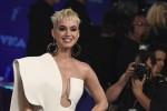 l decolleté delle star più invidiati dalle donne, al primo posto quello di Katy Perry - Foto