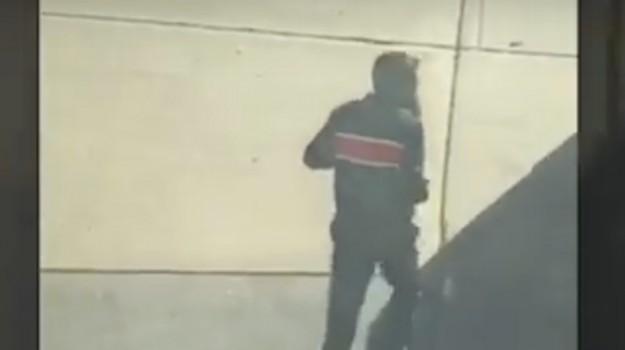 Attentato a New York, il killer corre per le strade della città - Video