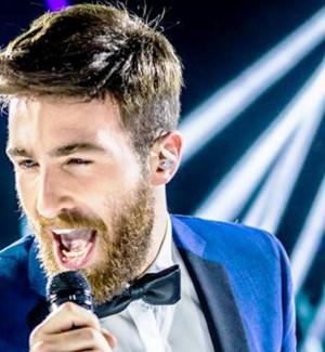 X Factor: Morandi quinto giudice tra i fischi del pubblico e il ragusano Licitra si dà... al rock