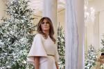 Melania Trump presenta la Casa Bianca addobbata per il Natale: le foto