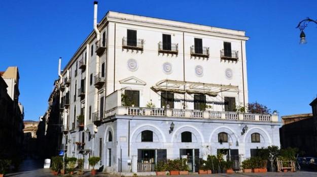 natale regalo palazzo fatta palermo, Palermo, Società