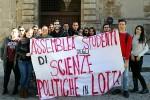 """""""Pochi fondi alle università pubbliche"""", protestano gli studenti di Palermo e Catania"""