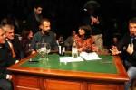 Litiga con Matteo Renzi sullo ius soli, Fabio Volo si alza e se ne va: il video