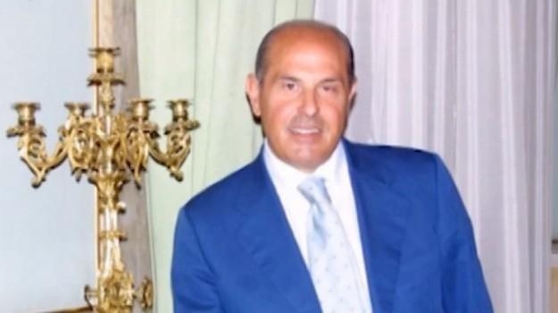 Truffa, indagato l'onorevole Riccardo Savona