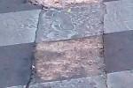 Dissesti in corrispondenza delle strisce pedonali in piazza Giulio Cesare a Palermo
