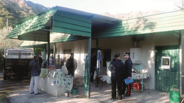 villa abusiva a castiglione di sicilia, Catania, Cronaca