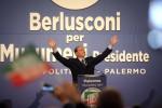 """Berlusconi a Palermo: """"Impresentabili? Se non vi piacciono non votateli"""" - Video"""