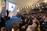 """Berlusconi a Catania attacca i grillini Confronto con Salvini e Meloni """"Troveremo l'accordo di governo"""""""