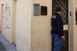 Palermo, casa a luci rosse in via Lincoln: denunciati due palermitani, espulse 6 rumene