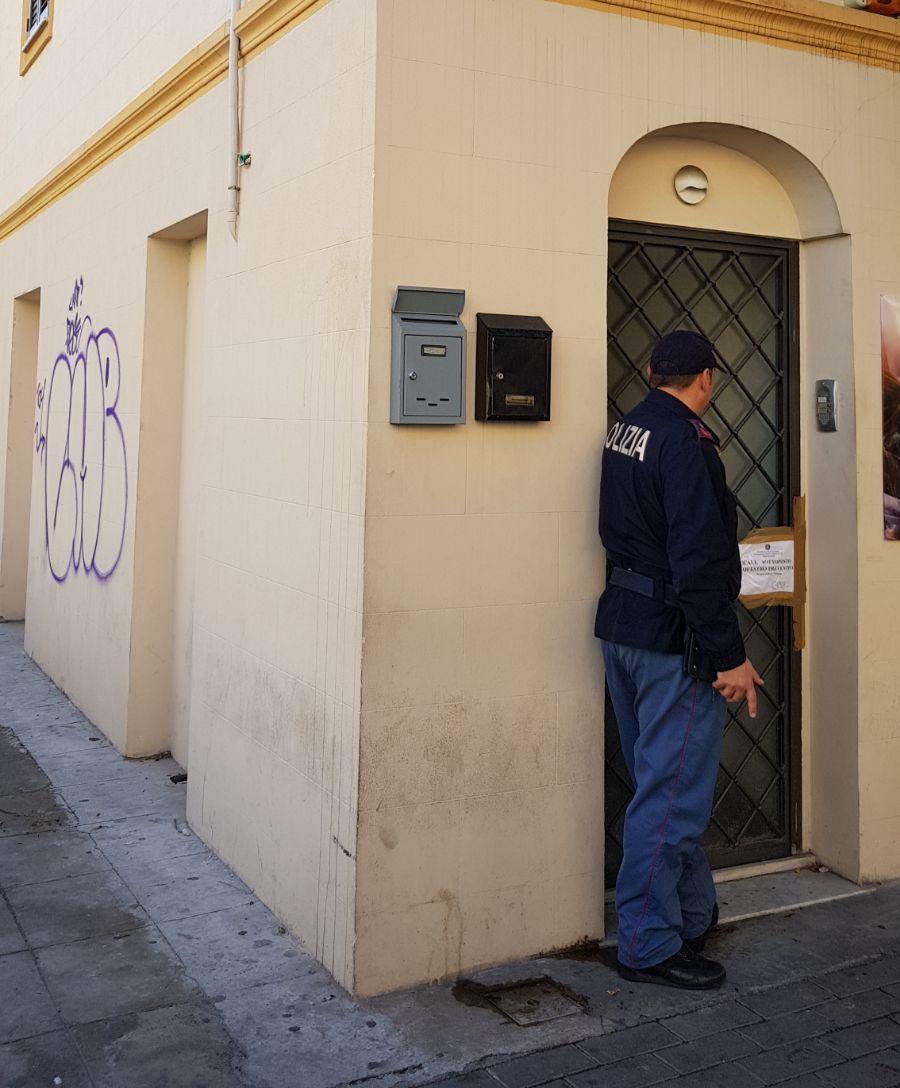 Scovata casa d'appuntamenti in via Lincoln: cinque denunce, immobile sequestrato