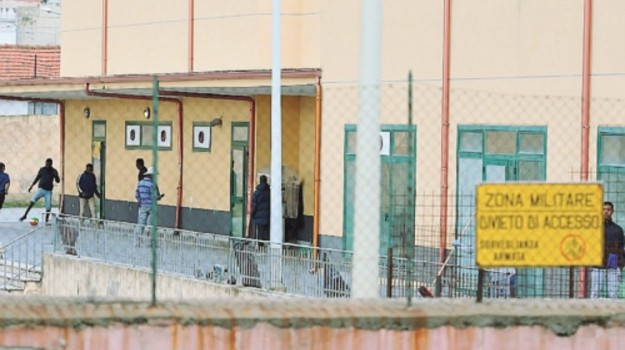 centro migranti bisconte, prefettura messina, Messina, Cronaca