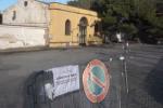 Transenne e divieti, il cimitero di Corleone off-limits: oggi arriva la salma di Riina - Video