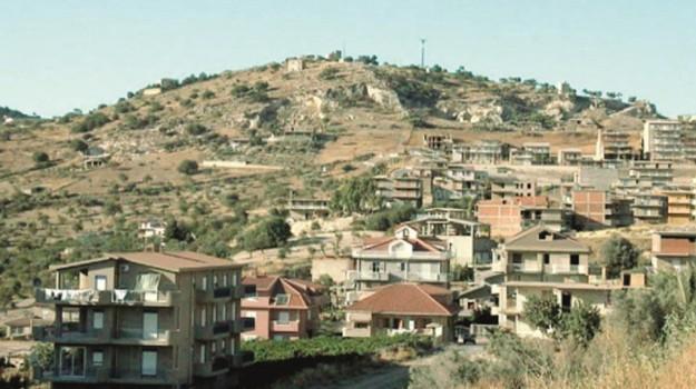 confini agrigento favara, Agrigento, Politica
