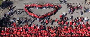 Un momento del flash mob organizzato dalla scuola Saladino a Palermo nel 2017