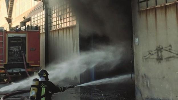 vigili del fuoco catania, Catania, Cronaca