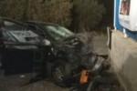 Auto sbanda nel Catanese e muore un ventiduenne, in prognosi riservata il diciannovenne alla guida